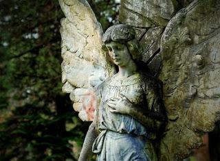 escultura de cementerio