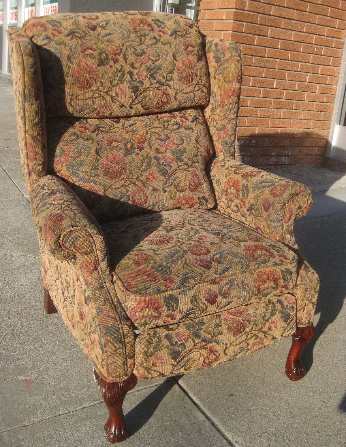 UHURU FURNITURE & COLLECTIBLES: SOLD - Wingback Recliner