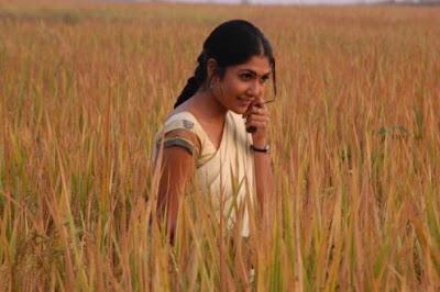 beautiful indian actress Kamalinee Mukherjee