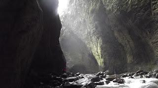 Curug Ibun Pelangi, pesona 'Green Canyon' di Majalengka