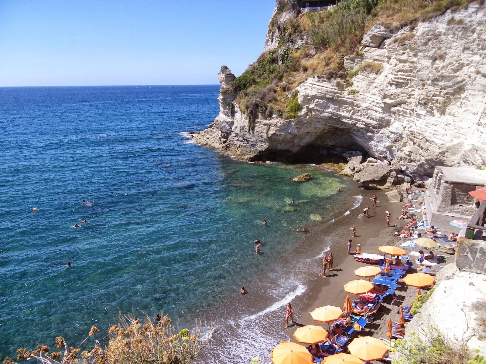 Ischia apartments ischia 39 s beaches for Appartamenti ischia