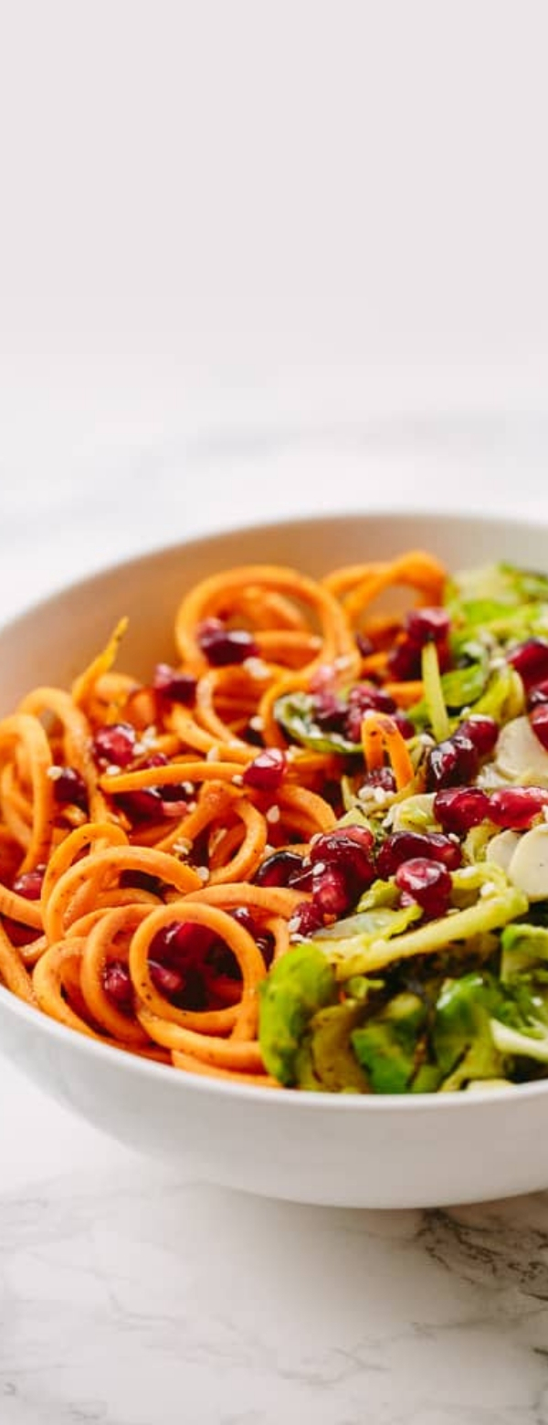BRUSSELS SPROUTS AND SWEET POTATO NOODLE BOWL WITH POMEGRANATES AND MAPLE-SESAME VINAIGRETTE #WHOLE30 #LOWCARB