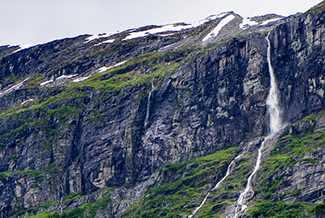 Inilah Air Terjun Tertinggi di Dunia Yang Membuatmu Takjub