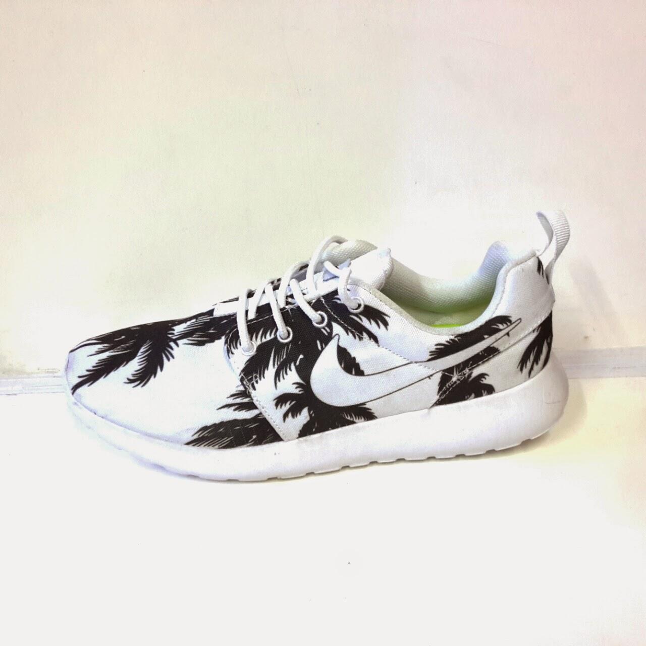 Sepatu Nike Roshe Run Men s   Jual Sepatu Murah  0ec503748f