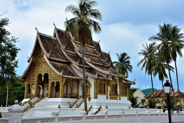 Chú ý những điều kiêng kị sau đây sẽ giúp bạn có một chuyến du lịch thật tuyệt vời tại người láng giềng Lào nhé!