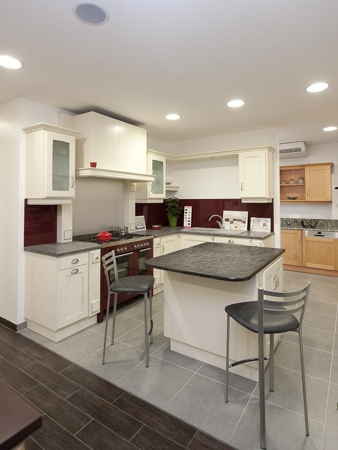 le blog de caradec cr ations op ration coup de poing offrez vous une cuisine de cr ateur. Black Bedroom Furniture Sets. Home Design Ideas