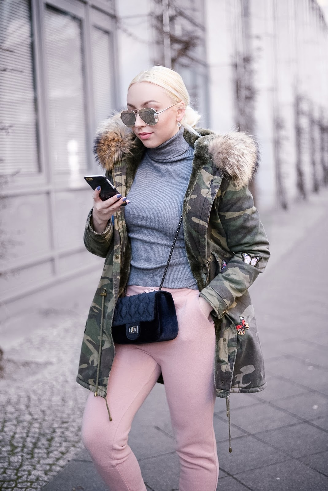 platinum blonde hair_alena shishkova_fur parka