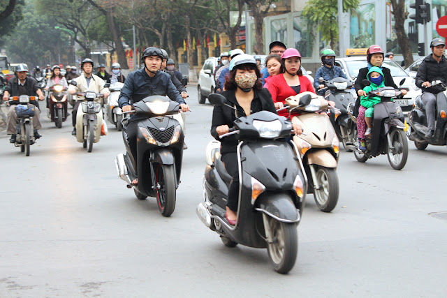Hanoi mopeds, Vietnam - lifestyle & travel blog
