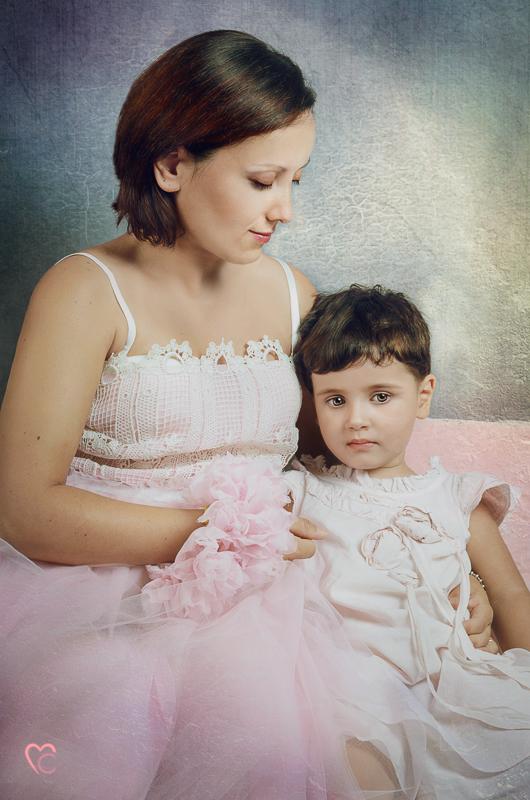 Fotografia-di-famiglia-mamma-con-figlia