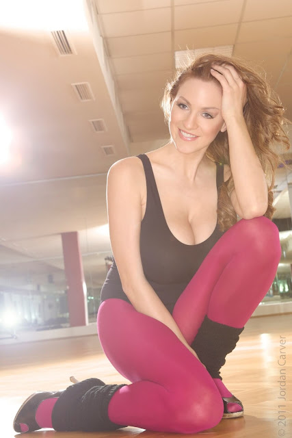 Jordan-Carver-Flash-Dance-Cute-and-sexy-Photoshoot-Image-26