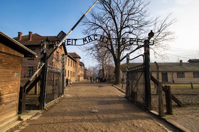 Ingresso Campo di concentramento di Auschwitz-Arbeit macht frei