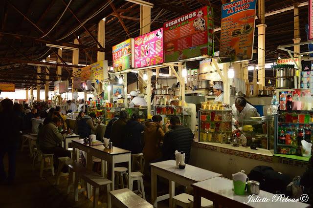 Restaurant au marché San Pedro à Cuzco