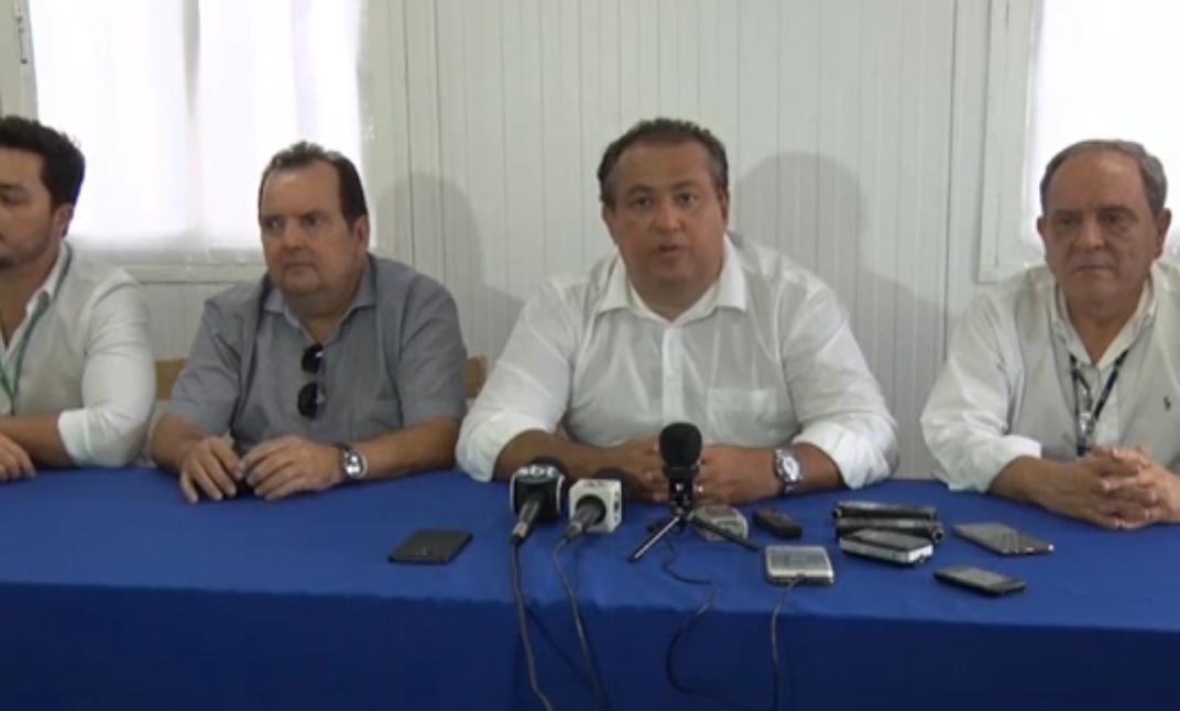 Rogério Leão em visita ao aeroporto de Serra Talhada - Foto: Reprodução TV Jornal