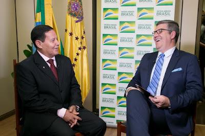 O General Mourão e Felipe Vieira (Crédito: Romério Cunha)