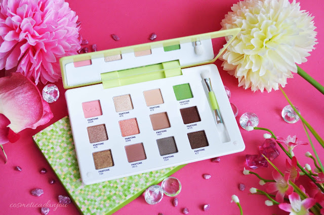 VDL Expert Color Eye Book 6.4 Greenery (Pantone 17) Review