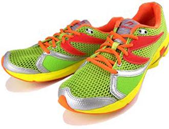7ce2983d1e0 O calçado foi completamente redesenhado pelos próprios empreendedores. A  essa altura