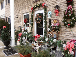 Winter Front Porch and Yard 2018