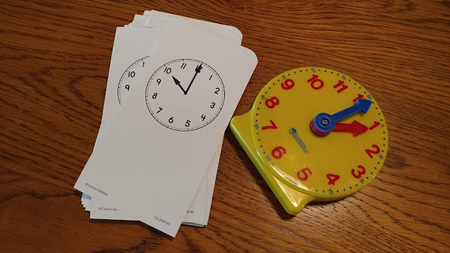 Time flashcards and Judy clock