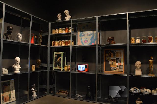 Obrazy, rzeźby i eksponaty w muzeum ARos w duńskim Aarhus