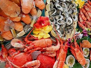 Tại sao ăn hải sản lại gây nổi mề đay