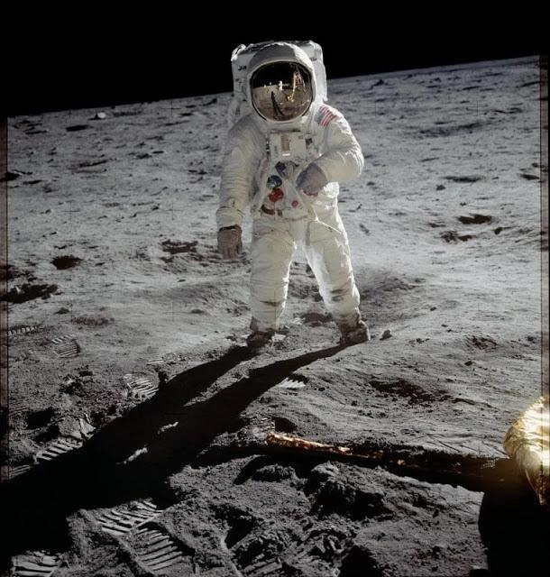 Perché non troverai mai all'asta una macchina fotografica che è stata sulla Luna