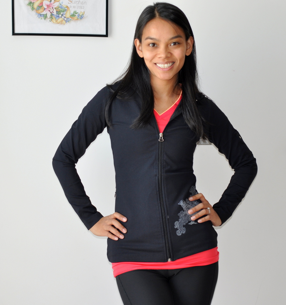 Michelle Rittler of Taste As You Go in Albion Fit's 26.2 Jacket in Black - Photo by Taste As You Go