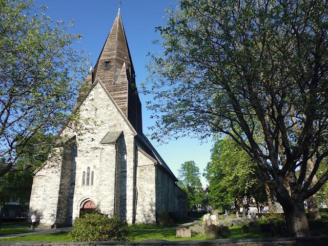 Iglesia Vasgskyrkja (@mibaulviajero)