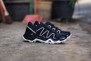 sepatu, sepatu salomon, salomon, salomon murah, salomon tracking, sepatu gunung, sepatu outdoor, sepatu hiking, toko sepatu salomon murah