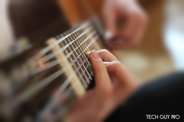 How to Play Guitar Chords in 3 Easy Steps