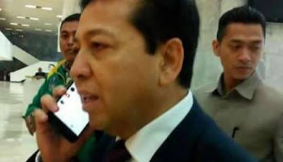 Ditanya Wartawan Soal Kasus E-KTP dan Novel Baswedan, Setya Novanto Pura-pura Terima Telepon