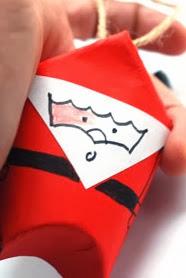http://krokotak.com/2012/12/toilet-paper-roll-santa/