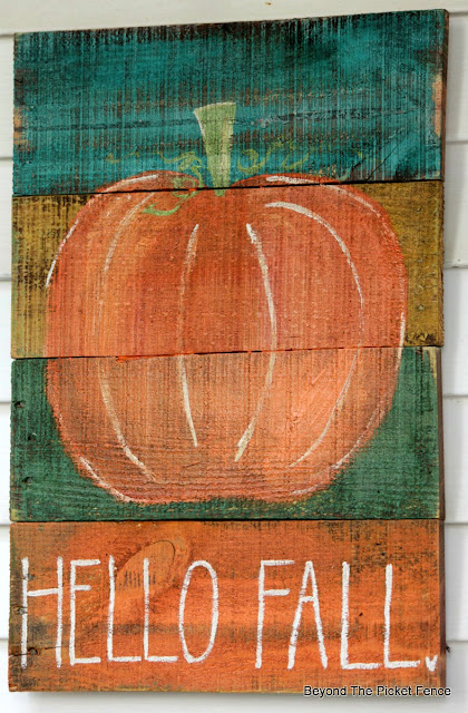 make a hand painted sign for fall on pallet boards