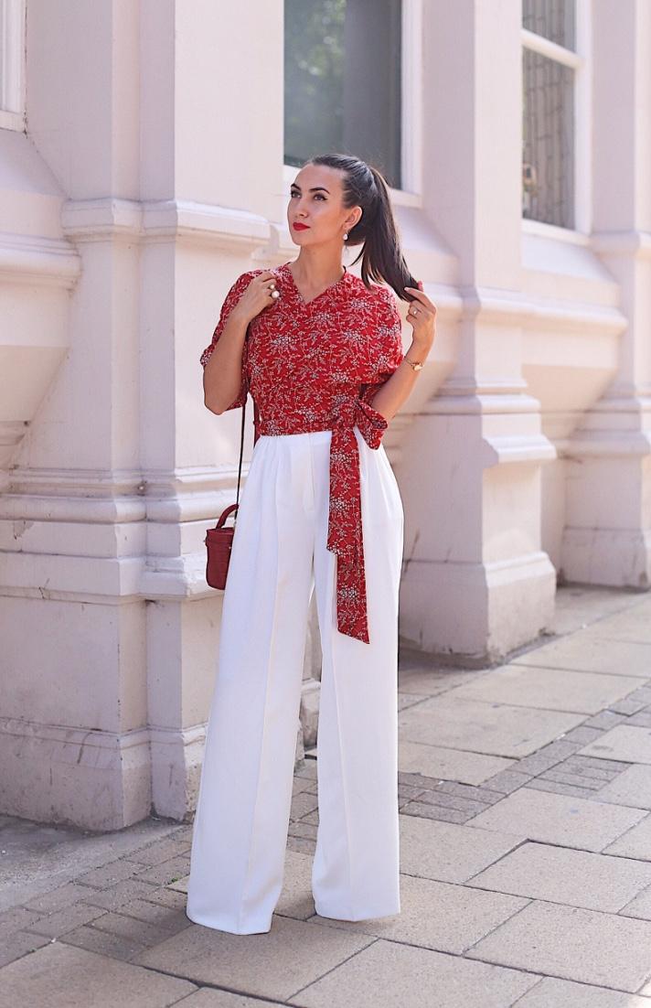 london blogger, red kimono top, white long trousers