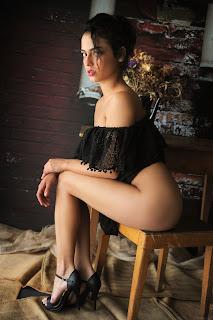 淘气的女士 - Joy%2BLamore-S01-005.jpg