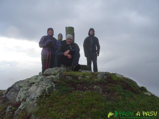 Ruta al Pico Gobia y La Forquita: Cima del Pico Gobia