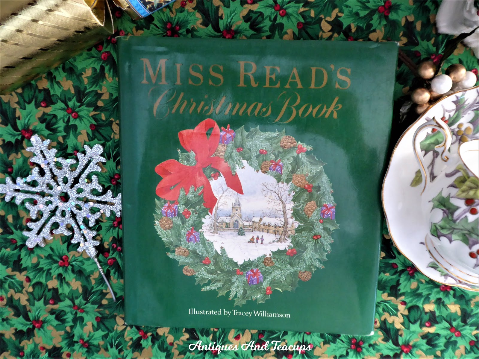 Antiques And Teacups: December 10th Antique Christmas