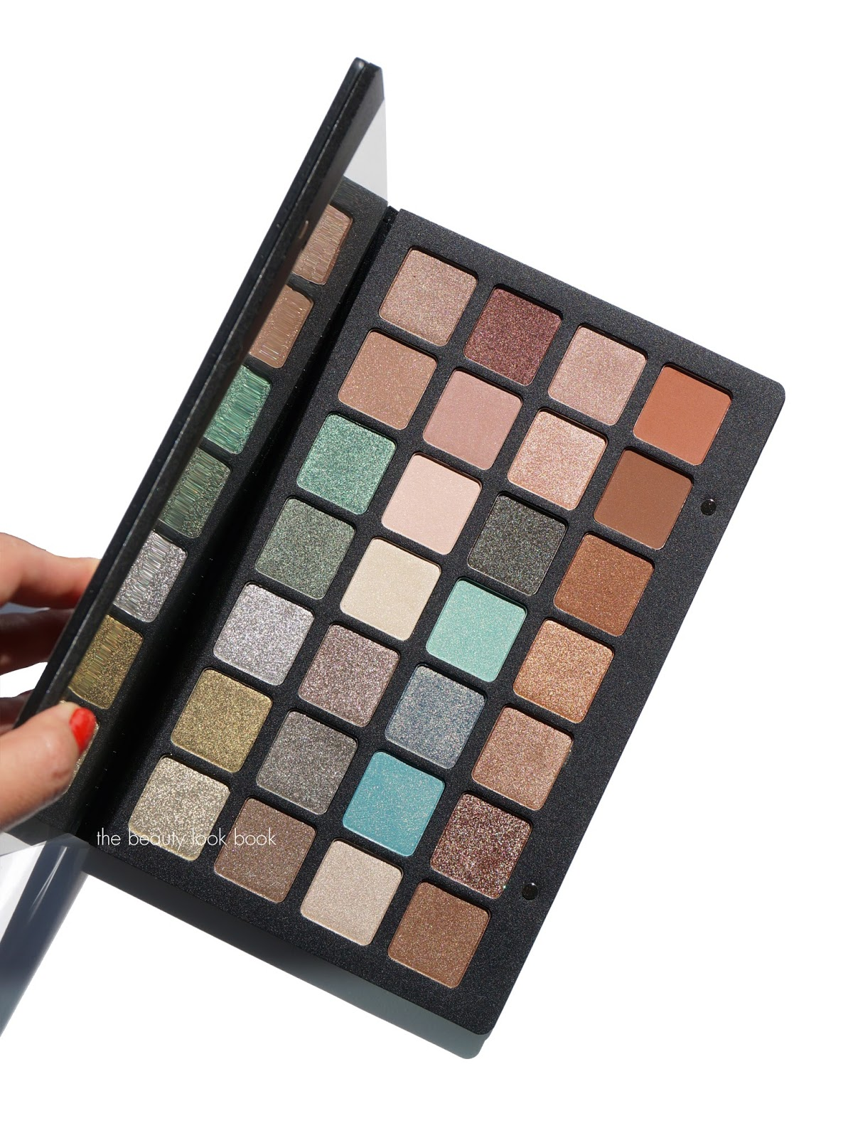 Eyeshadow Palette: Natasha Denona Eyeshadow Palette 28 Green-Brown