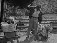 """Кадр из фильма Чарли Чаплина """"Скиталец"""" (1916) - 2"""