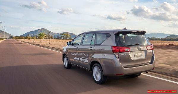 Phân tích ưu nhược điểm xe Innova 7 chỗ phiên bản 2018-2019 ảnh 1