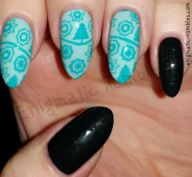 Festive-Stamped-Nails-Nail-Art