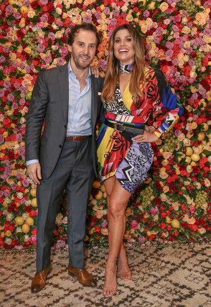 Marcos Proença inaugura mais um salão de beleza 8db1d011df