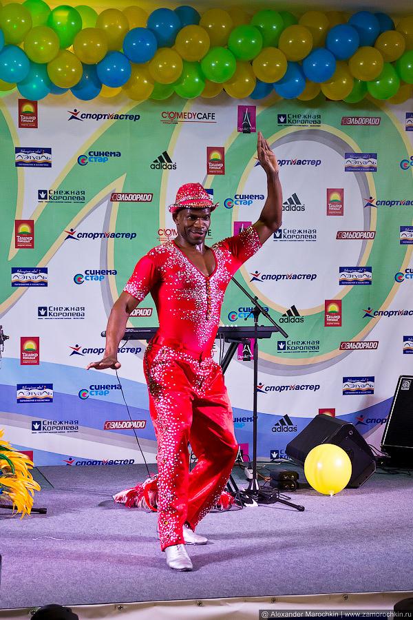 Хорошему танцору Terra Brasil Show ничего не мешает