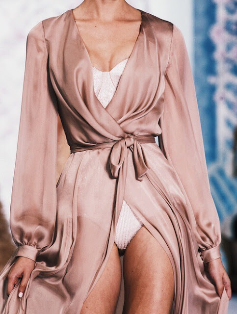 silk dressing gown in pink gold  | Happy Weekend 34 images of inspiration in rose gold {Cool Chic Style Fashion}