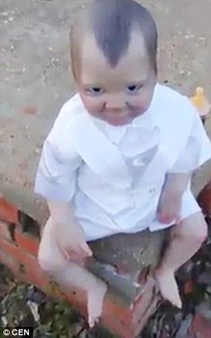 Viral Video Bayi Aneh di Atas Kuburan yang Bikin Netter Merinding karena Selalu Merasa Diawasi