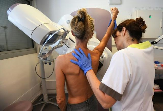 Atenção, meninas! Tratamento hormonal contra a menopausa aumenta risco de câncer de mama