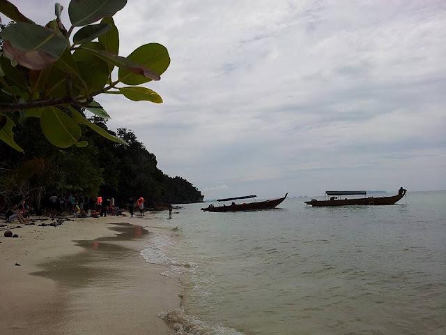 Snorkeling Di Pulau Dedap