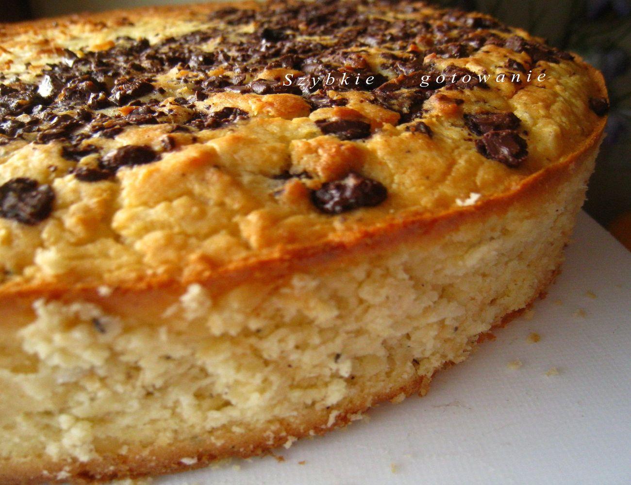 Ciasto fasolowe z kokosem i czekoladą
