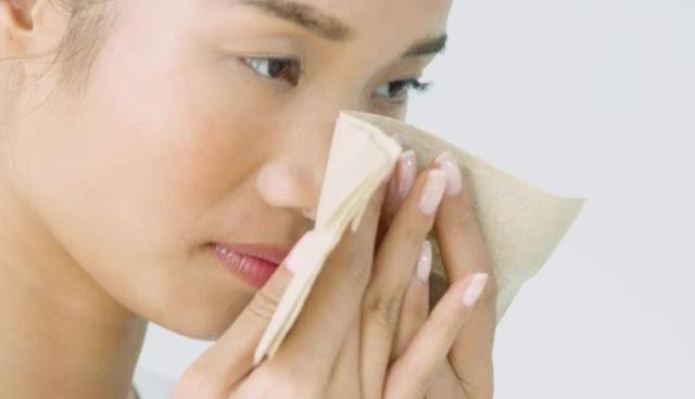 Manfaat Menakjubkan Es Batu Dalam Perawatan Wajah  8 Manfaat Menakjubkan Es Batu Dalam Perawatan Wajah