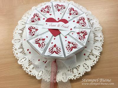 Hochzeitstorte aus Papier; Papiertorte; Geldgeschenk zur Hochzeit; Hochzeitspapeterie; Stempel-biene