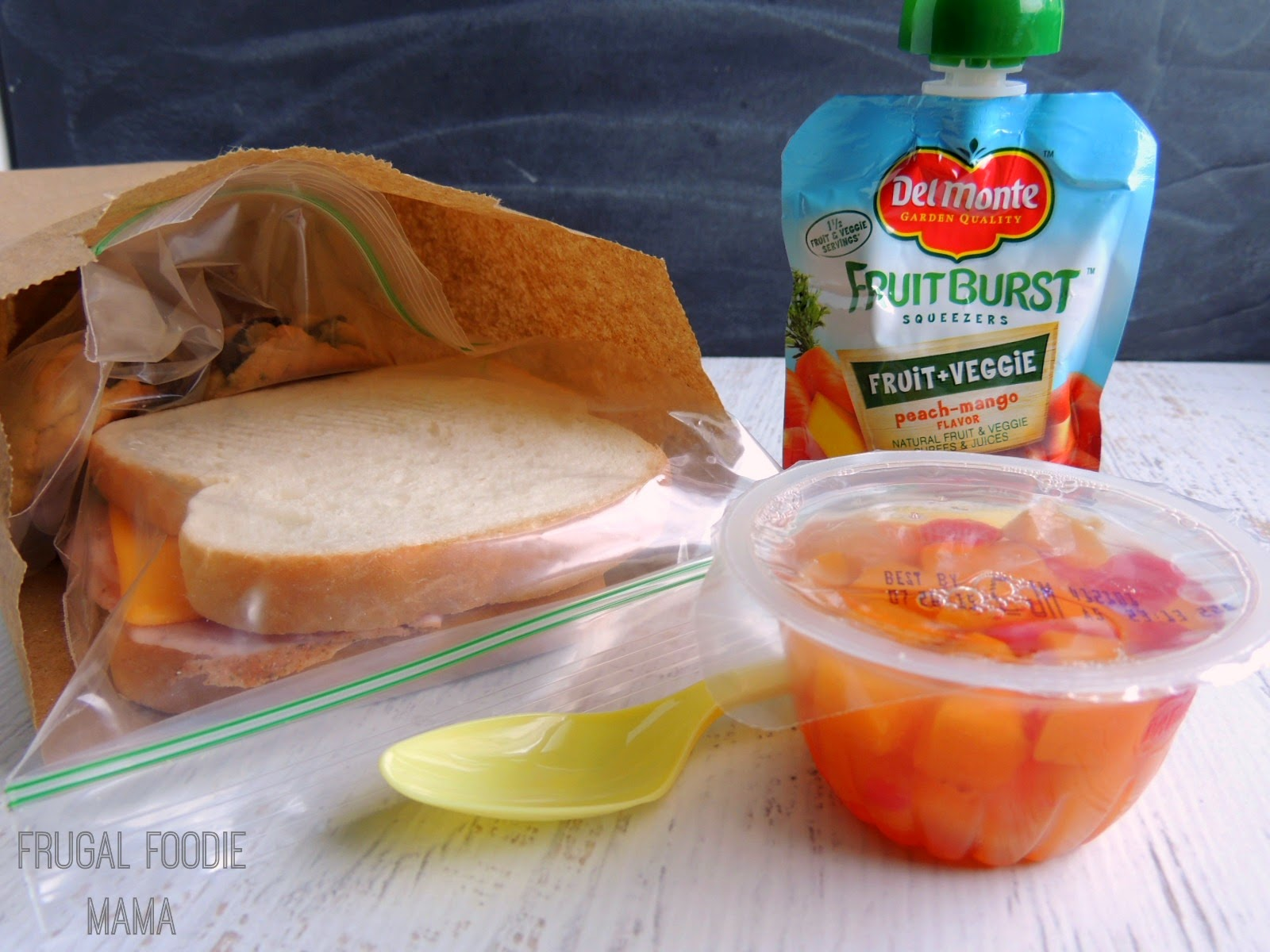 How to Easily Get a Teenager to Pack a Healthier School Lunch via thefrugalfoodiemama.com #DelMonteBTS #PMedia #ad